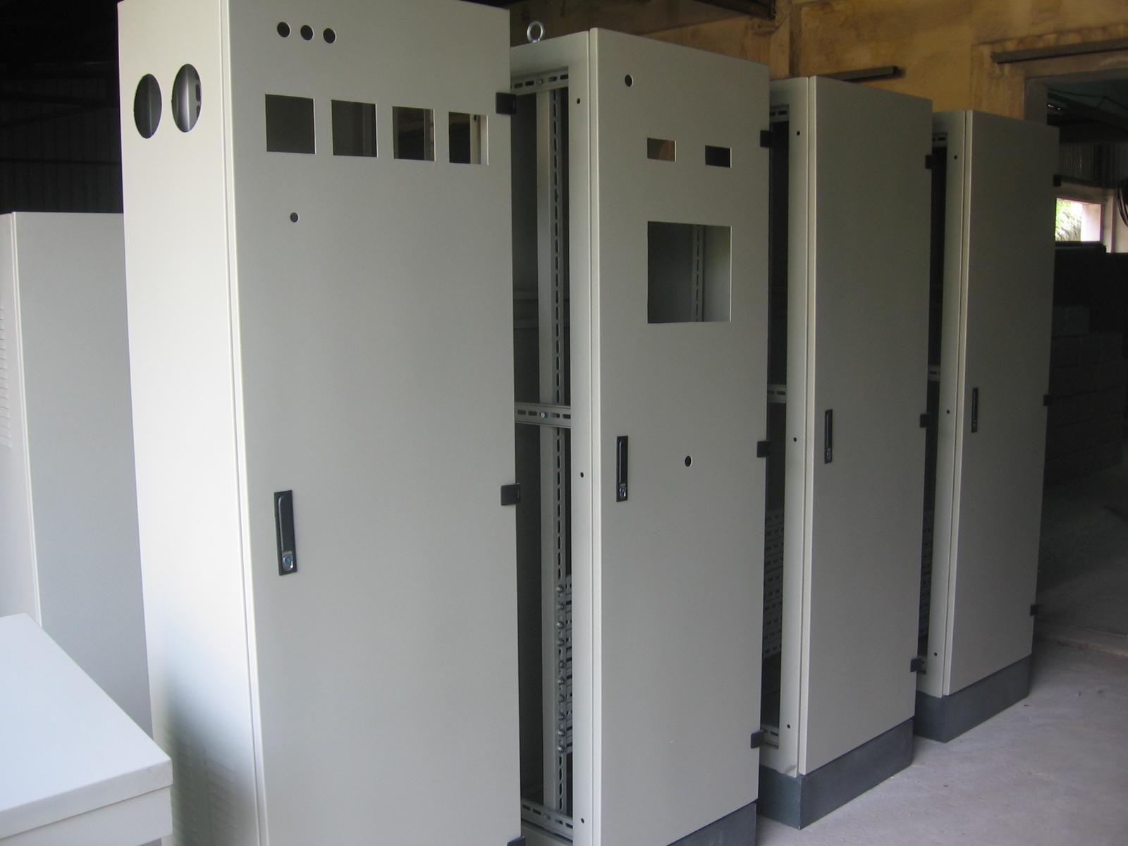 Vỏ tủ điện 2